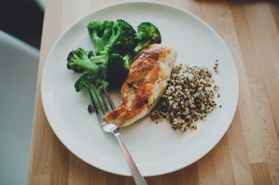 Summer Meal Plan via Simply Real Health: Peanut Chicken with Lentils + Roasted Broccoli